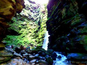 Parte do percurso pode ser feito por dentro do rio Quebra Perna