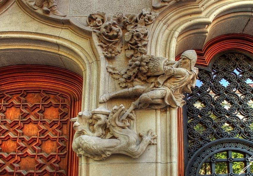Detalhe na entrada da Casa Batlló