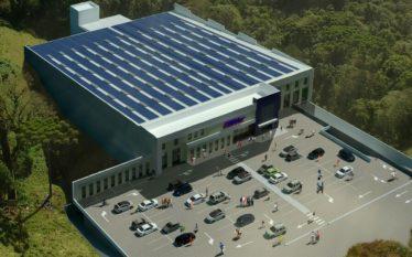Usina fotovoltaica na cobertura de supermercado Condor