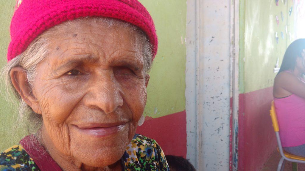 Dona Albertina, 81 anos: beleza e força sertanejas.