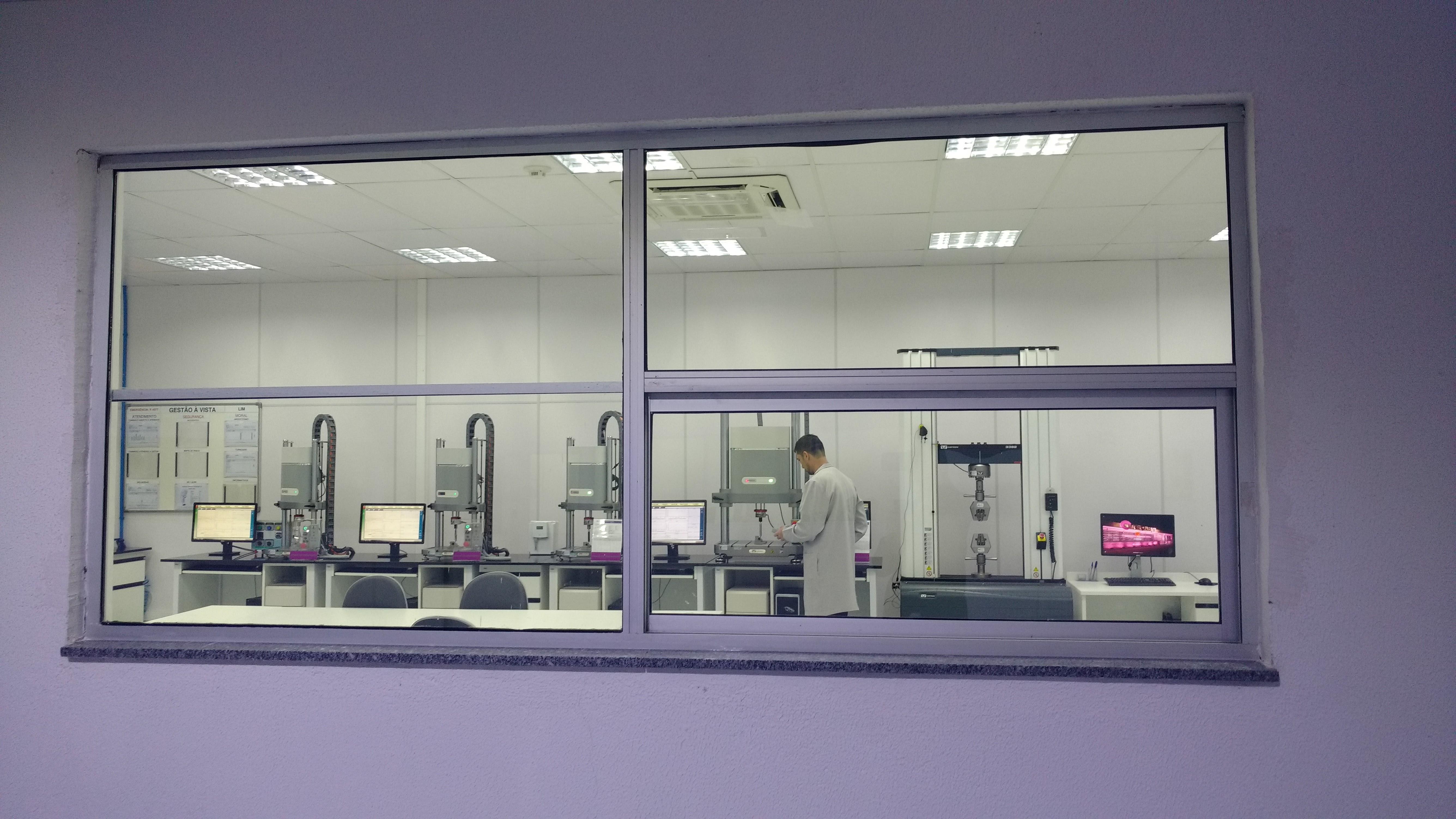 A Neodent tem reconhecimento internacional pela qualidade dos implantes dentários e pela clareza nas negociações.