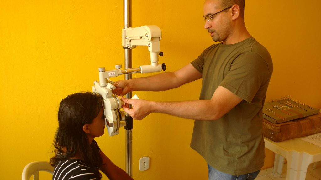 Wagner Santos é de Manaus, mas trabalha no interior da Bahia. Faz a primeira missão humanitária como médico oftalmologista.