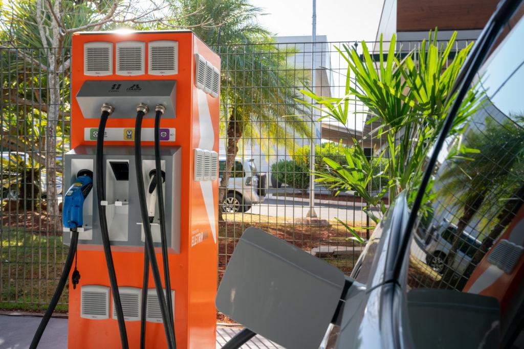 Eletrovia eletroposto Itaipu Copel