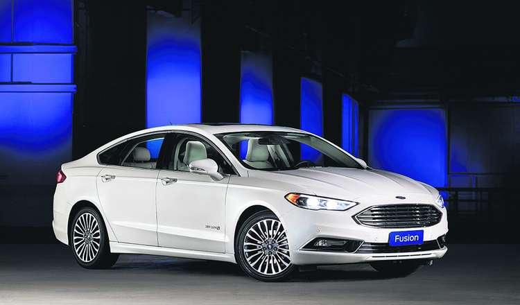 O Ford Fusion está entre os veículos híbridos com maior número de licenciamentos no Brasil.