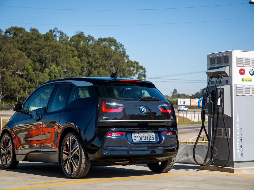 Eletrovia Nova Dutra BMW i3